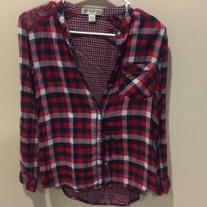 Plaid button down long sleeve shirt